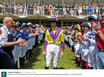 Channel 4 Racing tweets the 'guard of honour'