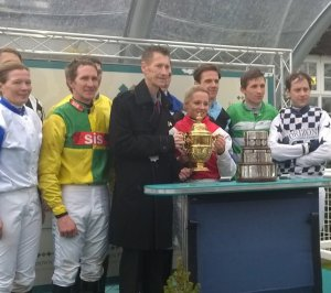 The race jockeys with Mark Hampson, Brodie & the Gold Cup (click to enlarge)
