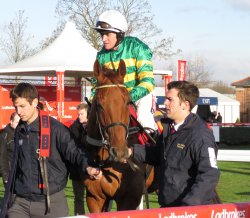 Yanworth & Barry Geraghty before the race