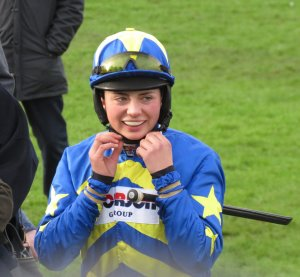 Bryony Frost ready to mount Dynamite Dollars