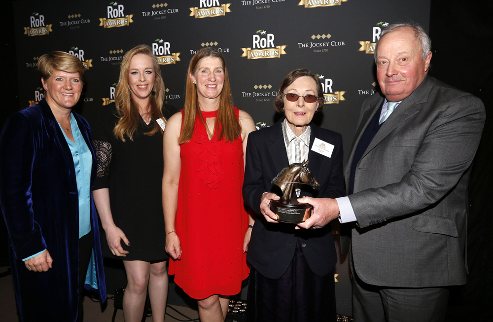 L to R: Clare Balding (RoR Patron), Rebecca Court (rider), Justine Armstrong-Small (who retrained Pete), Mrs Anne Leftley (owner) with Andrew Merriam (Chairman of Jockey Club Estates) presenting the award. (Photo from RoR website by Dan Abraham - focusonracing.com)