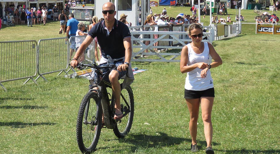 TIM-PRICE-CYCLING-AT-BARBURY-IMG 4083 910x500px